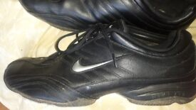 Mens nike trainers size 11