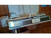 Silver Reed SK840 Knitting Machine with DesignaKnit8