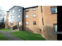 2 bedroom flat in Gorse Court, Guildford, GU4 (2 bed)