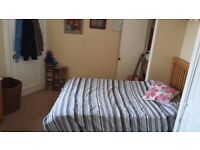 Double room to rent in two-room flat. Meadowbank area. From end of September
