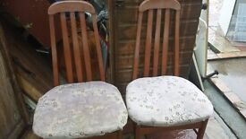 set of 2 wooden dinning chairs good condition only £5.00