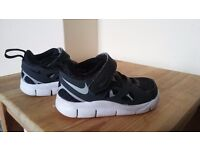 Infant 4 Nike trainers