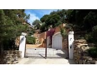 Beautiful full renovated Villa near to St Tropez with sea view 1 190 000 Euros Negociable