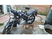 125cc motorbike - manual - needs to sell - good condition - open to offers