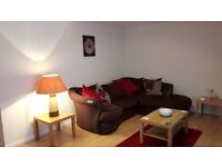 SPACIOUS 2 BED FLAT. VERY CENTRAL