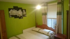 Spacious double room with bathroom 3 minutes walking distance to bracknell town. £600 per month
