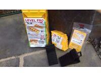 Pro Fiamma levelling ramps, Pro Fiamma chock level, Pro Fiamma anti-slip mats, Kampa plastic chocks