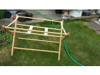Bath/Moses basket stand