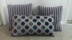 Set of 3 cushions / purple spots and stripes