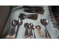Cutlery Set / Royal Rostfrei Edelstahl 18/10 23/24 karat vergoldet 56 piece