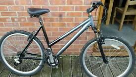 Ladies raleigh lightweight aluminium frame mountain bike