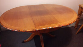 Vintage Retro Extending Dining Kitchen Table & 4 Chairs