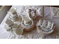 Paragon Cherwell tea set