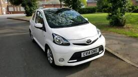 Toyota Aygo, 3 door in white with full Toyota service history, Only 19k