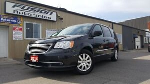 2014 Chrysler Town & Country DUAL AIR/HEAT-BACK UP CAMERA-PWR LI Windsor Region Ontario image 1