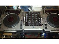 Pioneer Cdj 800 Mk1 pair. Numark m4 3 channel scratch mixer