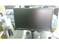 22 INCH LG MONITOR (HDMI/DVI/VGA) CONNECTION FOR SALE