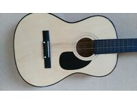 G18. Guitar 3/4 size