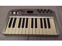 M AUDIO OXYGEN 8V2 MIDI CONTROLLER