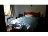 Lovely double room in comfortable bungalow 10 miles from St Andrews