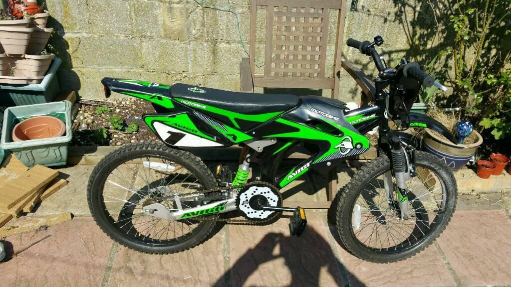 Avigo motorcycle style bike . excellent condition