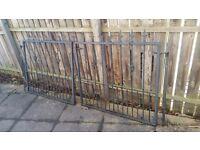ONE PAIR OF CAST IRON DRIVEWAY GATES WITH HINGES AND FITTINGS 103 X 80 CM EACH SIDE