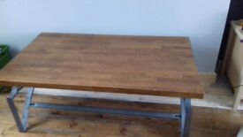 Large solid oak cofee table