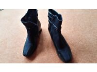 Ladies black ankle boots size 6 worn once