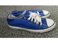 Ladies blue pumps size 6