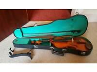 Full size 4/4 violin in hard case