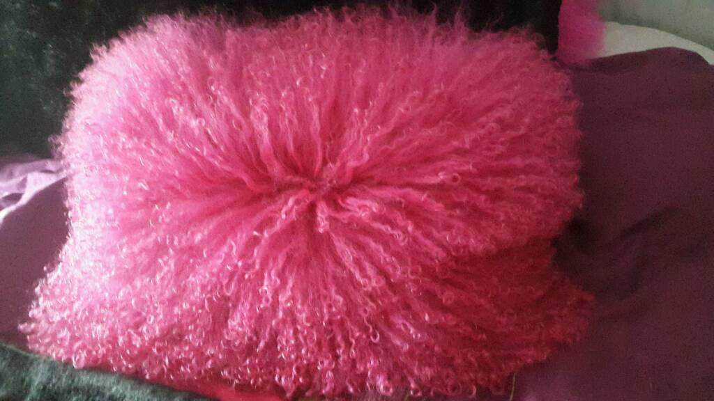 Cushion real Sheepskin fuchsia - pink