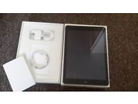 Apple iPad, 5th gen (2017), 32GB, almost new, immaculate condition