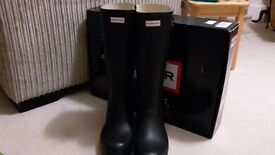 Mens Black Hunter Wellies Size 12