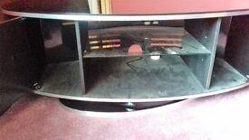 swivil tv sand tinted glass magnetick doors verry good onn