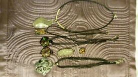 Necklaces and pendants -job lot
