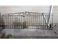 Iron gates for single driveway