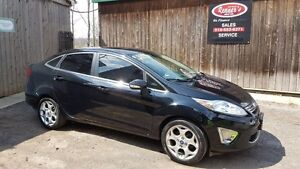 2012 Ford Fiesta SEL, Keyless Drive, Leather, Sunroof