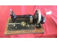 SINGER MANUAL ANTIQUE SEWING MACHINE WITH CASE COVER IN WORKING CONDITION AVAILABLE FOR SALE