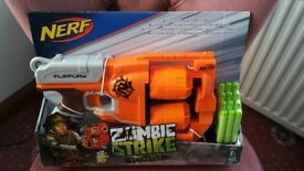 Brand new still box Nerf gun zombie strike flipfury with bullets less than half price