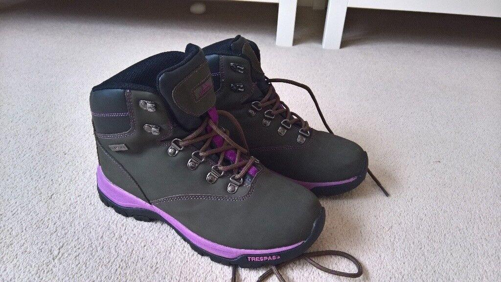 Ladies Trespass walking boots - size 6 (39)