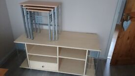 LARGE BEECH EFFECT TV / ENTERTAINMENT UNIT & MATCHING NEST OF TABLES