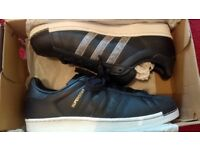 Mens Adidas superstar navy size 8