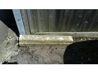 2 concrete lintels