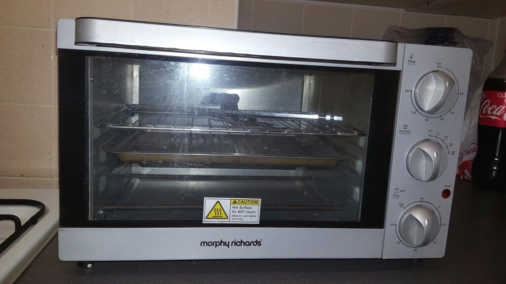 OVEN Morphy Richards Rotisserie mini oven on sale.