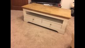 BRAND NEW Very Wiltshire coffee table