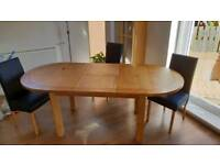 Gorgeous Solid Wood Extending Dinning Table plus 6 Chairs