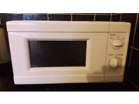 SIMPLE Microwave (white) 700W