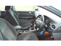 Ford Focus Ghia 1.6 L blue petrol manual gear