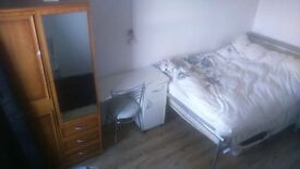One double bed room flat to rent