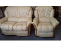 Leather Settee & Chair / Suite's / Very Good Condition... LOCAL DELIVERY...